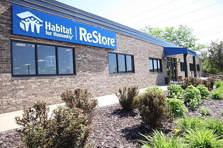 The front entrance to the New Brighton ReStore.