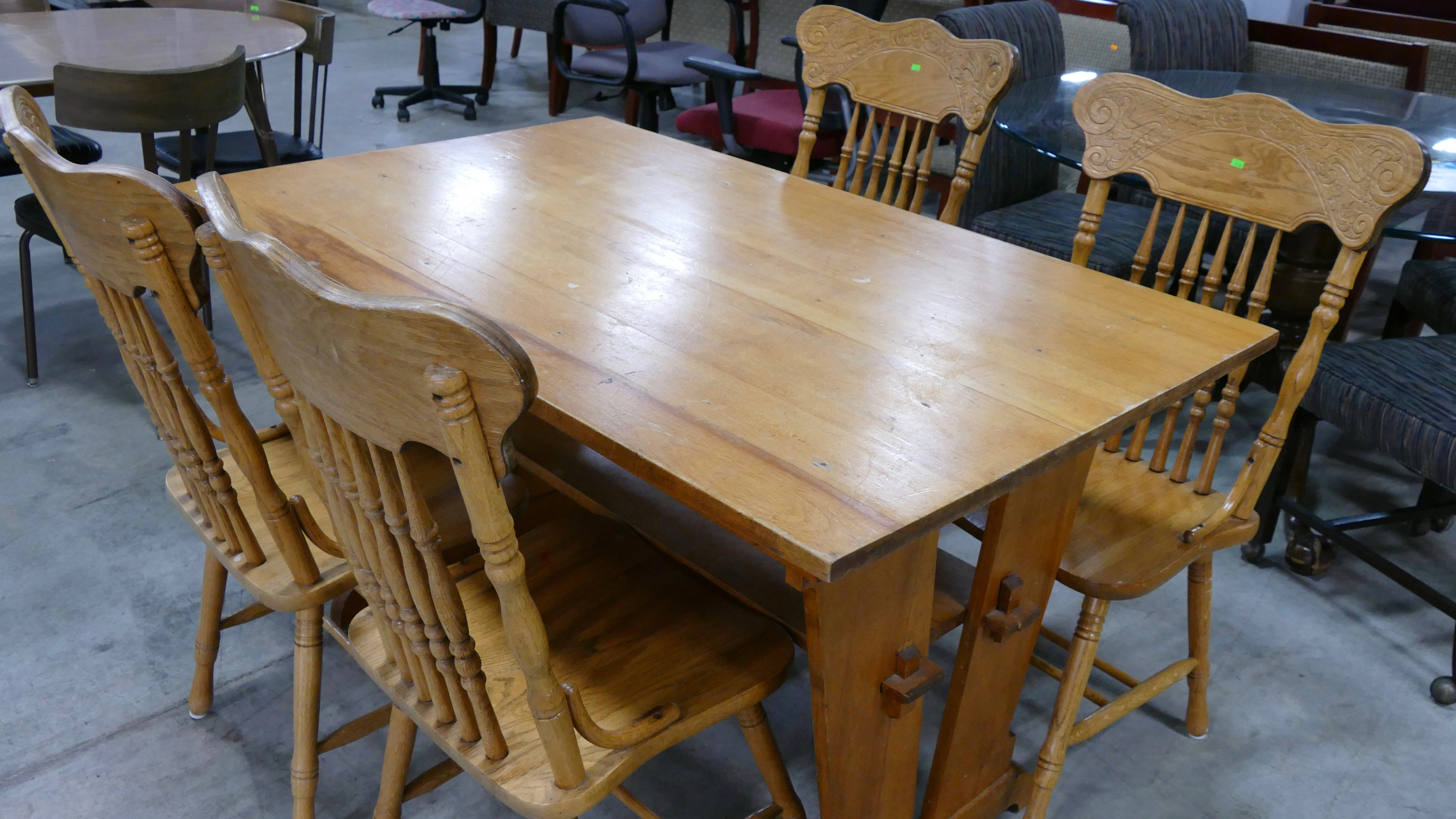 Furniture And Donations At Re, Where Can I Donate A Dining Room Set