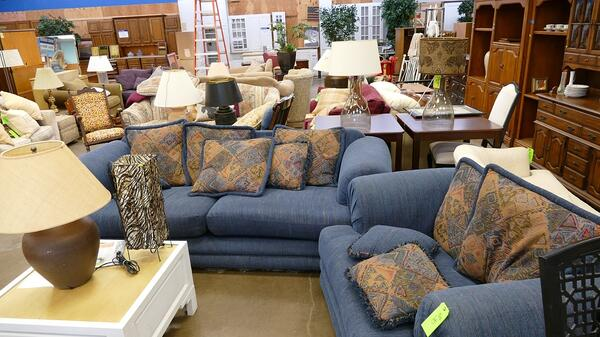 Guide To Donating Furniture And Other, Where Can I Donate A Dining Room Set